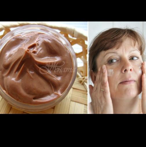 Най- добрите домашни маски против стареене на кожата и бръчки за жени над 45