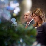 Ето и елхата в Президентството-Деси Радева също помогна