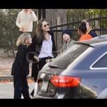 Анджелина Джоли  изненада всички с поведението си, но дъщеря ѝ Шейло остави в недоумение всички, които я видяха