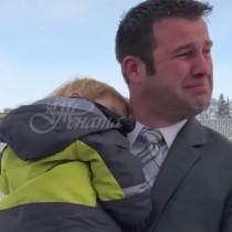 Дакота е със 7 деца и не може да се справи с кредитите и сметките, когато получава бележка, от която сълзи потичат по бузите му