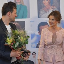 Ето и кои БГ звезди бяха наградени с приз модни икони за тази година (снимки)