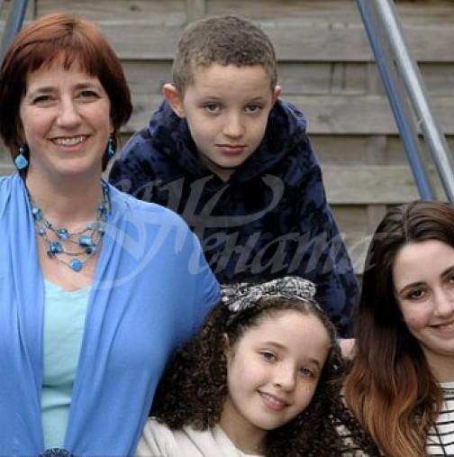 Майка на 3 деца мислеше, че съпругът ѝ е перфектен, а то какво се оказа! Имал още 3 жени и много деца!