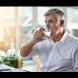 Специалистите по хранене разкриват: Хората, които пият вода по време на хранене не са добре