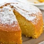 Шепа брашно, захар, яйца и 1 голям портокал и ако знаете какъв сладкиш си спретнах, зимата вече друг не вкусвам