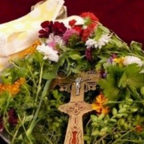 Днес започва празникът Водици - в полунощ, небето се разтваря и сам Бога застава на Портата и изпълнява желание.