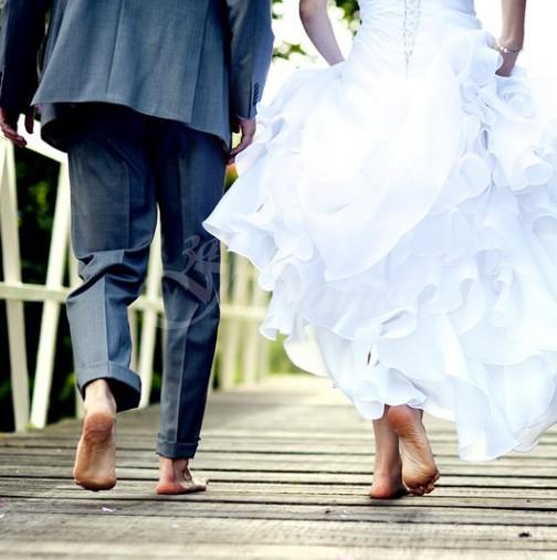 Гост на сватбата съсипа най-важният ден в живота на булката и младоженеца-Ето какво направи!