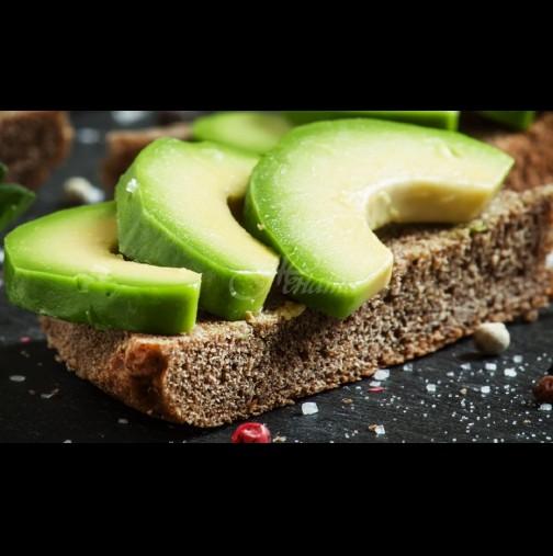 13 добри причини да ядете авокадо с филийка черен хляб всеки ден