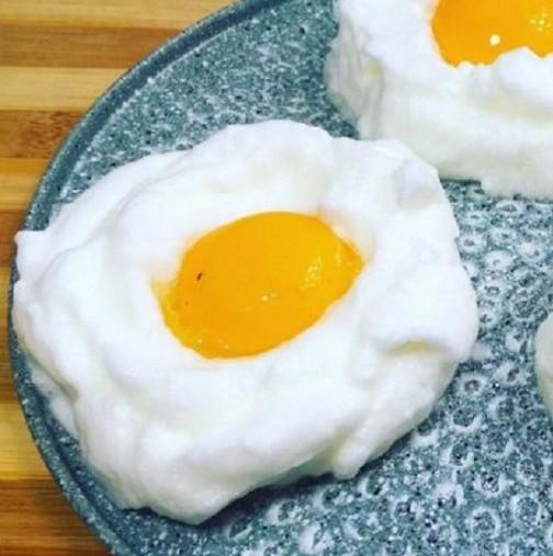 Съпругът ми се радва като дете на тези яйца, страхотни са просто!