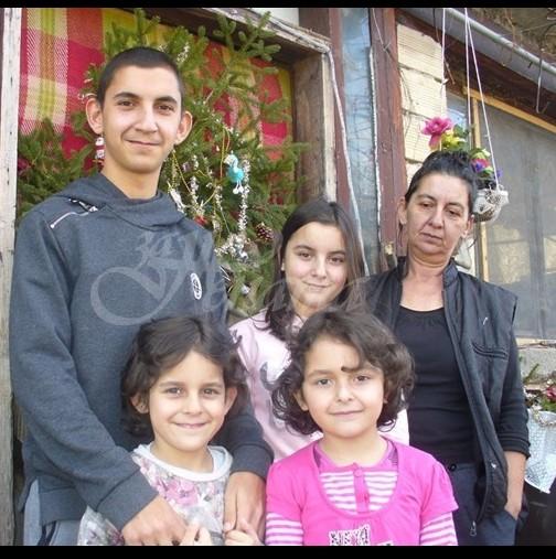Достойна българска майка се грижи за 13-те си деца без помощи!