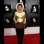 Най- скандалните рокли на звездите от раздаването на наградите Грами, които предизвикаха доста критики (снимки)