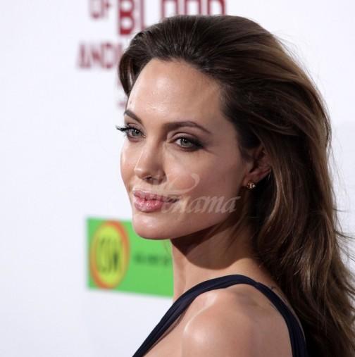 Анджелина Джоли притесни всички с вида си