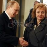 Бившата съпруга на Путин, която той вкарал в психиатрична клиника след побоища и унижения: Минах през деветте кръга на Ада