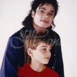 Ето как изглежда днес 10-годишният Джеймс Майкъл, който се омъжил за Майкъл Джексън