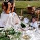Млада жена облече сватбената рокля и отиде на гробищата, където лежеше съпругът ѝ