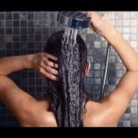 Всички правим тази непростима грешка след душ, а тя унищожава кожата ни - трябва само да следвате това простичко правило: