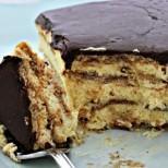 4 продукта, половин час и вкусов екстаз, който се помни дълго: Най-бързата торта с вкус на еклер без печене