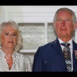 Папараци уловиха Чарлз и Камила по бански на почивката им
