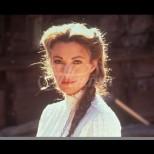 Ето как изглежда доктор Куин днес на 68-По-щастлива е от всякога