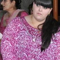 Отчаяна от прекомерното си тегло майка поиска да сложи край на живота си и легна до дъщеря си и стана чудо