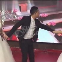 Бившата на младоженец пристиигна на сватбата му със сватбена рокля и стана страшно