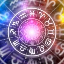 Хороскоп за днес, 22 март-4 зодии ще жънат големи успехи в петък