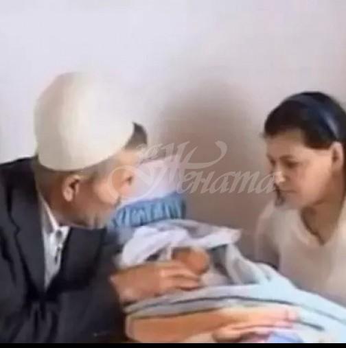 61 -годишен дядо с 50 внуци се ожени за 19-годишно момиче