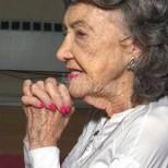 100-годишна жена, която ходи на йога и латино танци сподели тайната за дълъг живот