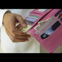Внимание: 9 предмета, които нямат място в портфейла ви - излагат на риск и Вас, и близките: