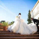 Мис Свят изкопира сватбената рокля на Цеци Красимирова в Кан и предизвика фурор на червения килим (Снимки):