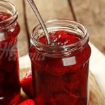 Как да си направите бързо и лесно сладко с цели ягоди