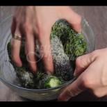 Вкусни и хрупкави краставички, готови ядене за 1 час