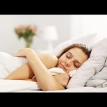 Ето защо не трябва да спим голи - особено жените сме изложени на редица рискове без дрехи в леглото: