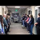 Над 100 доктори и сестри се наредиха в редица, за да отдадат последна почит към тази медицинска сестра