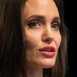Анджелина Джоли в потресаваща форма-Акрисата вече е на ръба