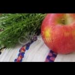 Велик празник е утре-Да не забравите да сложите цветя под възглавницата и да отнесете ябълки в църквата