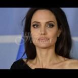 Анджелина Джоли се срина от слабост - заприличала е на жив скелет, лекарите едвам я свестиха (Снимки):