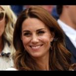 Кейт отново диктува модата - херцогинята обра овациите на Уимбълдън със стилен тоалет (Снимки):