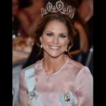 Чуваме само за Кейт и Меган, но вижте само бижуто на Швеция - ослепителна усмивка и горда осанка: принцеса Маделин! (Снимки):
