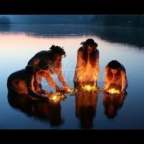 Тази нощ притежава най-мощната енергия за годината-Билките и ритуалите за материална сигурност притежават огромна сила