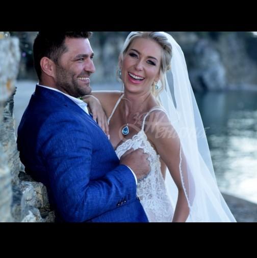 Антония Петрова издаде всичко за 3-те си сватби - непоказвани досега кадри (Снимки):