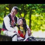 Наша шампионка показа, че е истинска българка: вдигна автентична сватба и облече народна носия (Снимки):