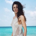 Диляна Попова на море във Валенсия в най-приятната компания - по-щастлива от всякога (Снимки):