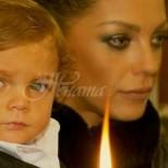 Отнеха детето на Емануела