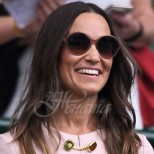 Пипа Мидълтън засенчи Кейт по елегантност на Уимбълдън - нежно розовата ѝ рокля предизвика истински възторг (Снимки):