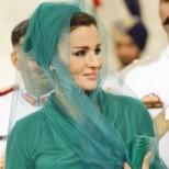 Принцесата, която дръзко захвърли бурката - ето я най-влиятелната и стилна жена в Арабския свят (Снимки):