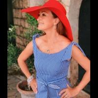 Джейн Сиймур на 68 - прекрасна и шармантна