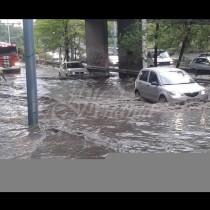 Оранжев код за 7 области и жълт код за останалите-Потоп се излива над България-На няколко места ще е страшно!