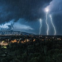 Утре опасно време в цялата страна! Обявен е предупредителен код!
