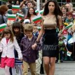 Помните ли най-красивата учителка в България? Ето какво се случва с нея днес (Снимки):