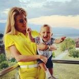 Антония Петрова подари на невръстния си син Ферари - ето малчугана с новата придобивка (Снимка):